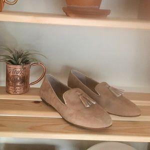 Crown & Ivy Suede Tassel Loafers - Tan